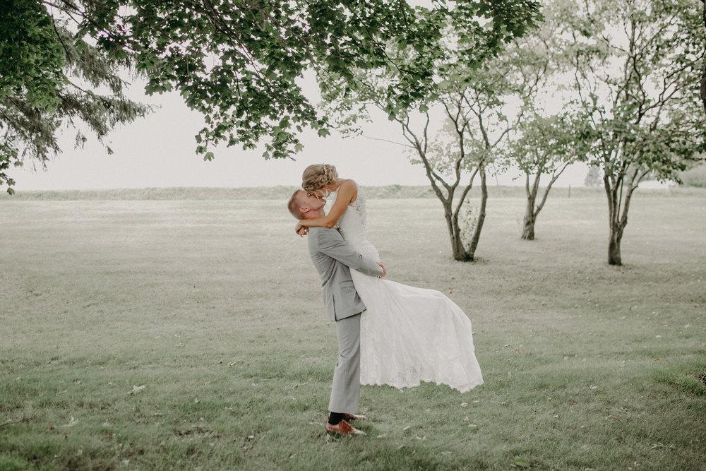 lenz-stargardt-wedding-christ-lutheran-church-marshfield-wi