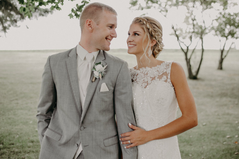 married-couple-wedding-portraits-marshfield-christ-lutheran