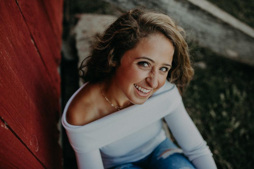 senior-portrait-photographer-chili-wi-stichert-family