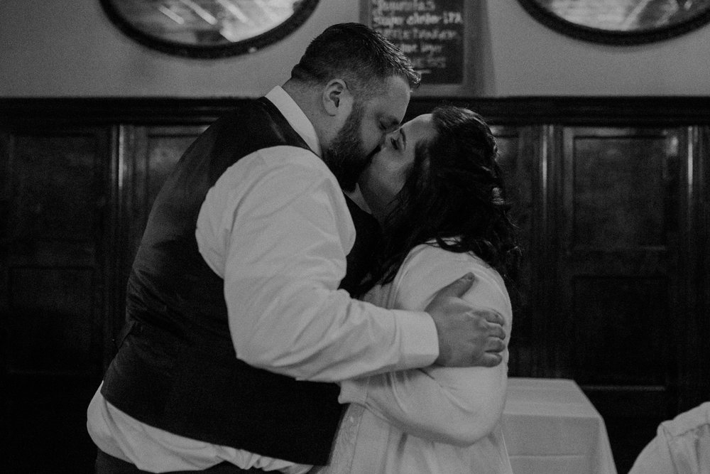 Intimate_Wedding_St_Paul_MN_WA_Frost_Sweeneys_Andrea_Wagner_Photography (94 of 99).jpg