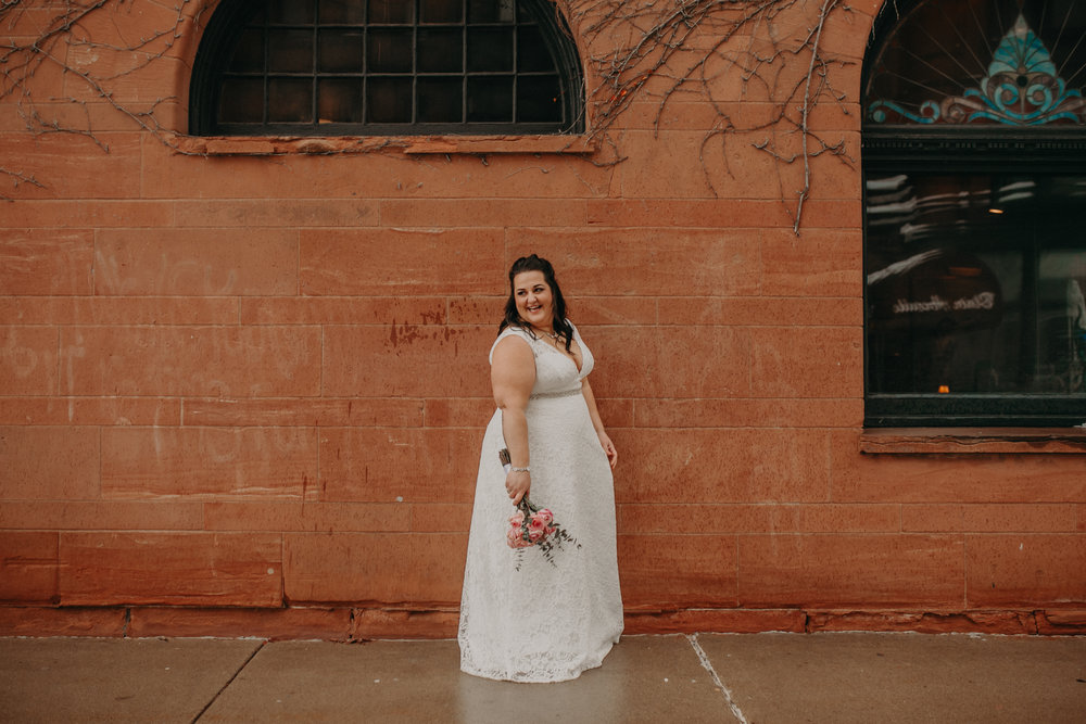 Intimate_Wedding_St_Paul_MN_WA_Frost_Sweeneys_Andrea_Wagner_Photography (84 of 99).jpg