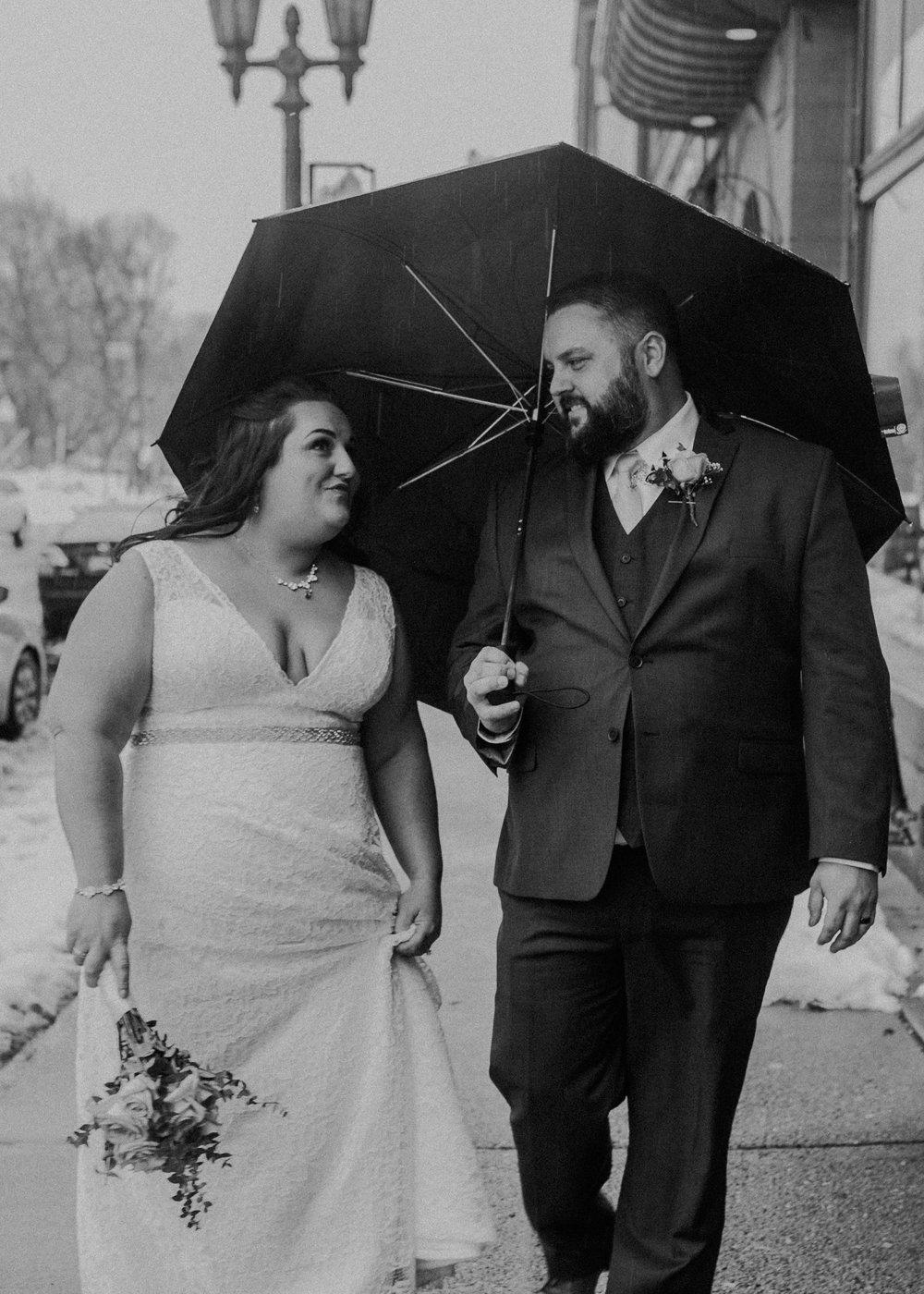 Intimate_Wedding_St_Paul_MN_WA_Frost_Sweeneys_Andrea_Wagner_Photography (79 of 99).jpg