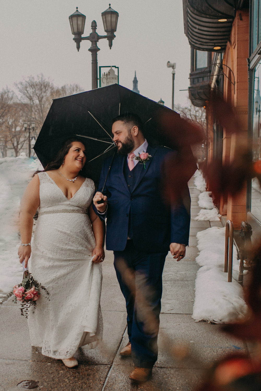 Intimate_Wedding_St_Paul_MN_WA_Frost_Sweeneys_Andrea_Wagner_Photography (78 of 99).jpg