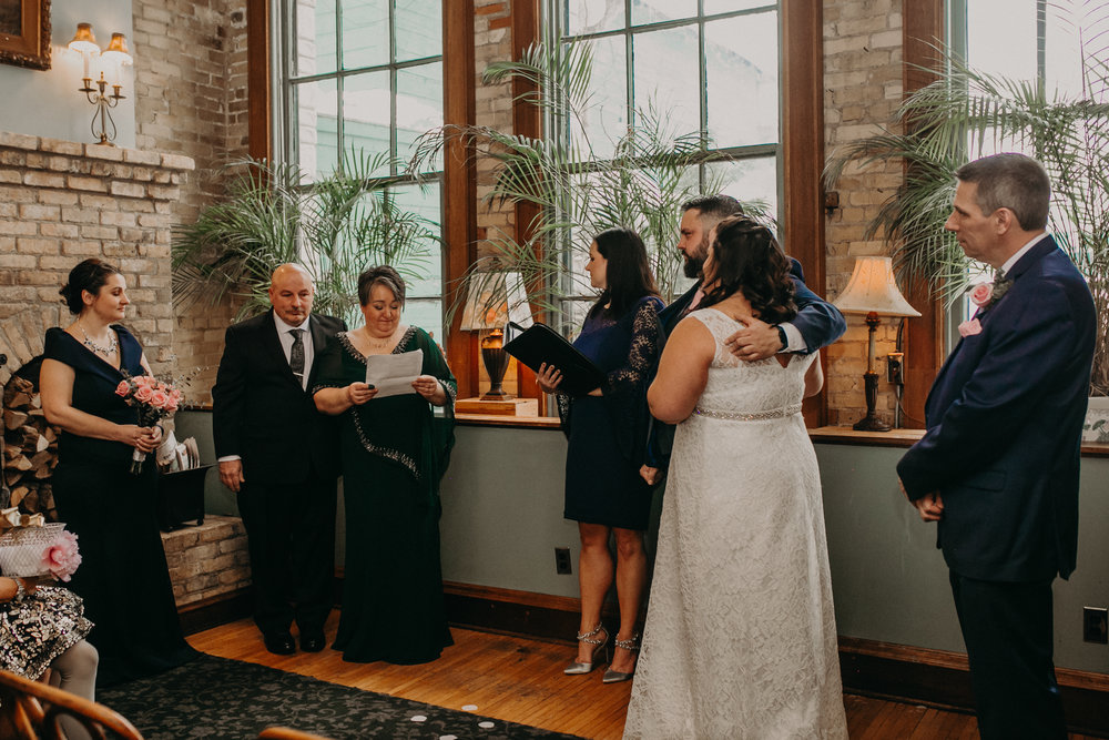 Intimate_Wedding_St_Paul_MN_WA_Frost_Sweeneys_Andrea_Wagner_Photography (49 of 99).jpg
