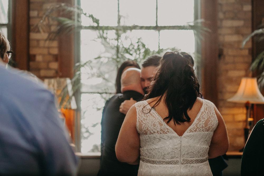 Intimate_Wedding_St_Paul_MN_WA_Frost_Sweeneys_Andrea_Wagner_Photography (43 of 99).jpg
