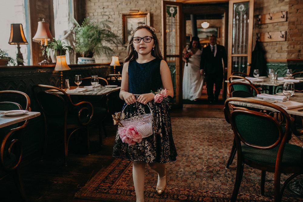 Intimate_Wedding_St_Paul_MN_WA_Frost_Sweeneys_Andrea_Wagner_Photography (39 of 99).jpg