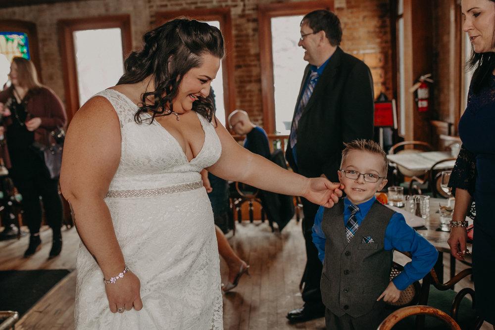 Intimate_Wedding_St_Paul_MN_WA_Frost_Sweeneys_Andrea_Wagner_Photography (25 of 99).jpg