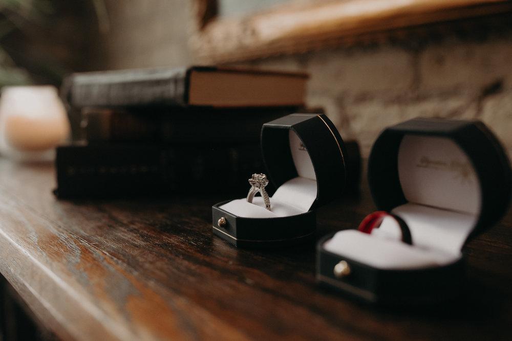 Intimate_Wedding_St_Paul_MN_WA_Frost_Sweeneys_Andrea_Wagner_Photography (7 of 99).jpg