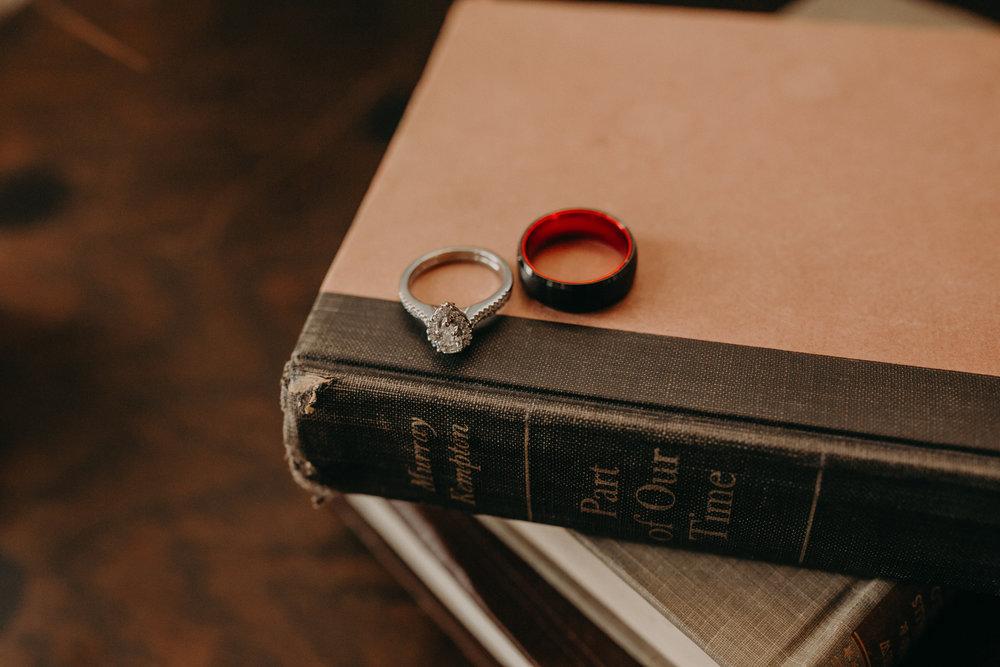 Intimate_Wedding_St_Paul_MN_WA_Frost_Sweeneys_Andrea_Wagner_Photography (6 of 99).jpg