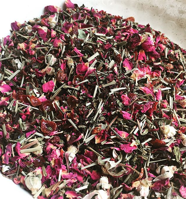 We're visiting family and they loved the #hibiscus loose tea mix I brought with me.  So we went to a local tea shop and created this beautiful batch of our very own #hibiscustea mix.  They were able to see how simple it is to make your own loose tea mix as well as how simple it will be to make their own medicinal tea infusion mixes.  I'm always stoked to inspire healthy tips. 🤘 🌺 🌸 🌈 #empoweredhealth #fundrinks #kiddrinks #herbaltea #loosetea #nutrientdense #getyourminerals #healthydrink #healthykids #healthylifestyle #healthykidsfood #healthyfamily #healthymom #organiclife #organicmom #naturalmom #momlife #makeyourownfood #traditionalfood #slowfood #nutritionaltherapy #consciousliving #consciousparenting