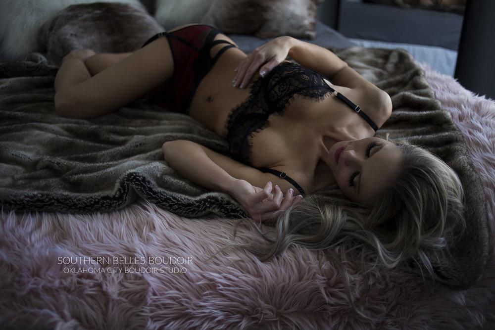 boudoirphotoshoot.jpg