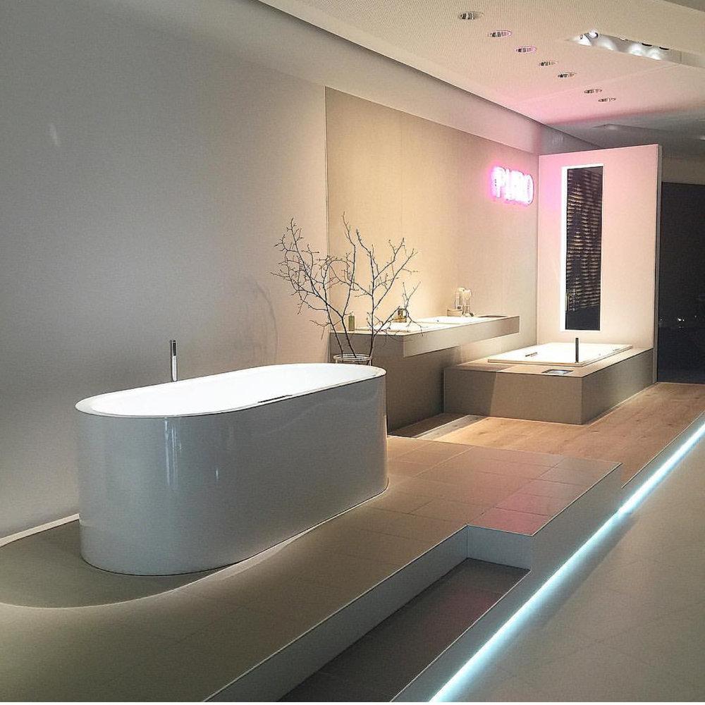 The amazing Kaldewei showroom.