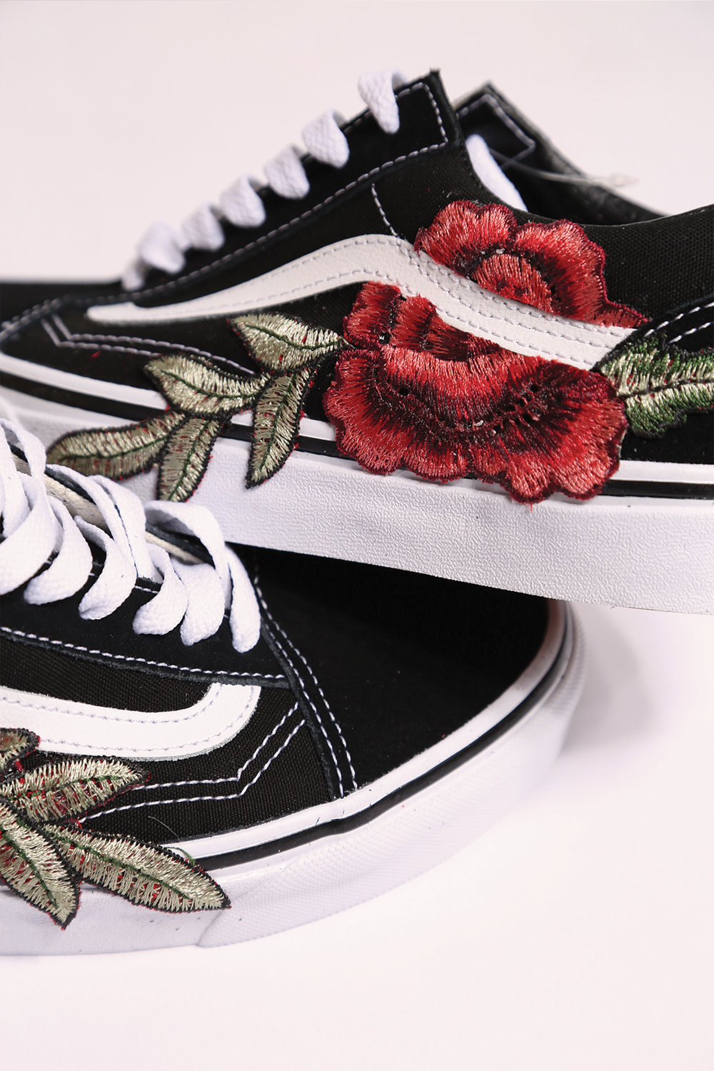 vans old skool red rose