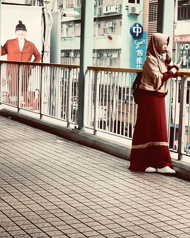 Modest Fashion. Hong Kong.  — view on Instagram  http://bit.ly/2UgPgOg
