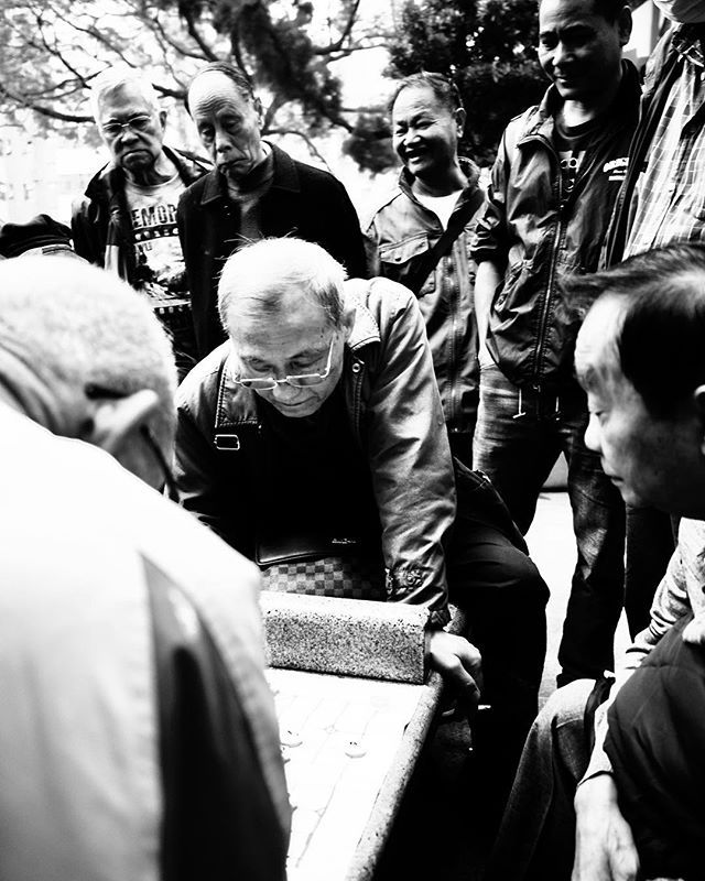 Mahjong. #snapshot #mahjong #square #streetphotography #blackandwhitephotography #travelphotography #kowloon #hongkong #hk #asia #chinese #game #players #panaleica15mmf17 #microfourthirds #micro43rds #GM5 #panasonic #lumix — view on Instagram  http://bit.ly/2FiVLwJ