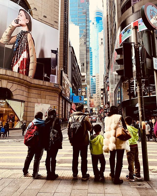 Discovering Hong Kong. #snapshot #streetphotography #hongkong #asia #metropolis #explorers #travelphotography #iphone #iphonexsmax #iphoneography #xcrossing #buildings #skyscrapers #queensstreet — view on Instagram  http://bit.ly/2EXQOch