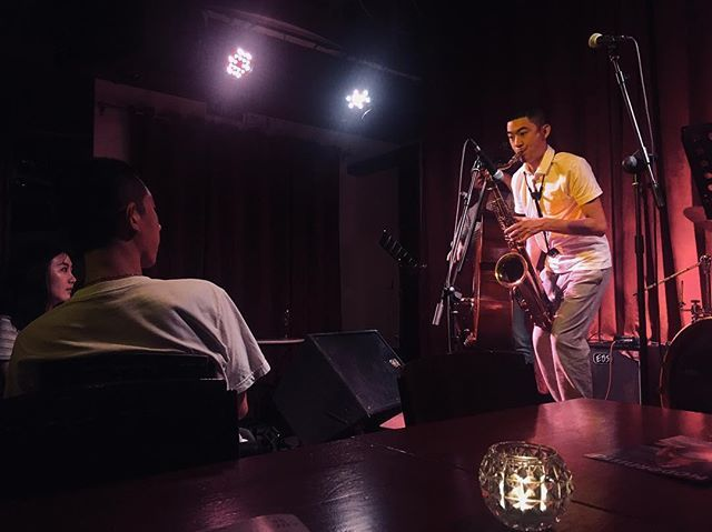 Anthropology in Beijing. Terry Hsien jazz trio. #snapshot #jazz #beijing #hutong #modernista #china #asia #eastasia #iphone #iphone6s #iphoneography #saxophone #trio #jazz_trio — view on Instagram  https://ift.tt/2vCHB33
