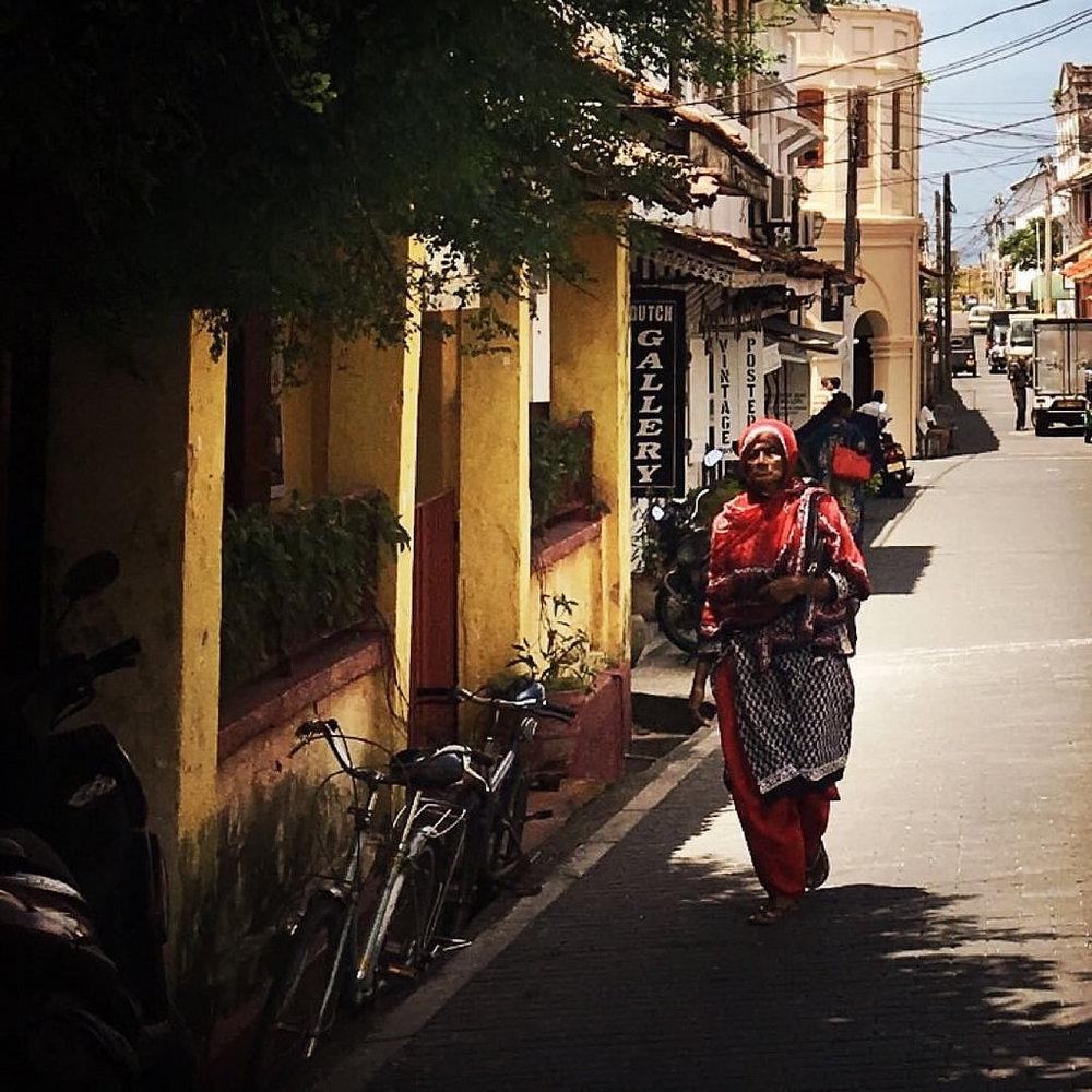 Galle, their Olinda, here the Portuguese arrived in a cloud. #Hipstamatic #Jane #Irom2000 #galle #srilanka #olinda #portuguese #ceylon #muslim #lady