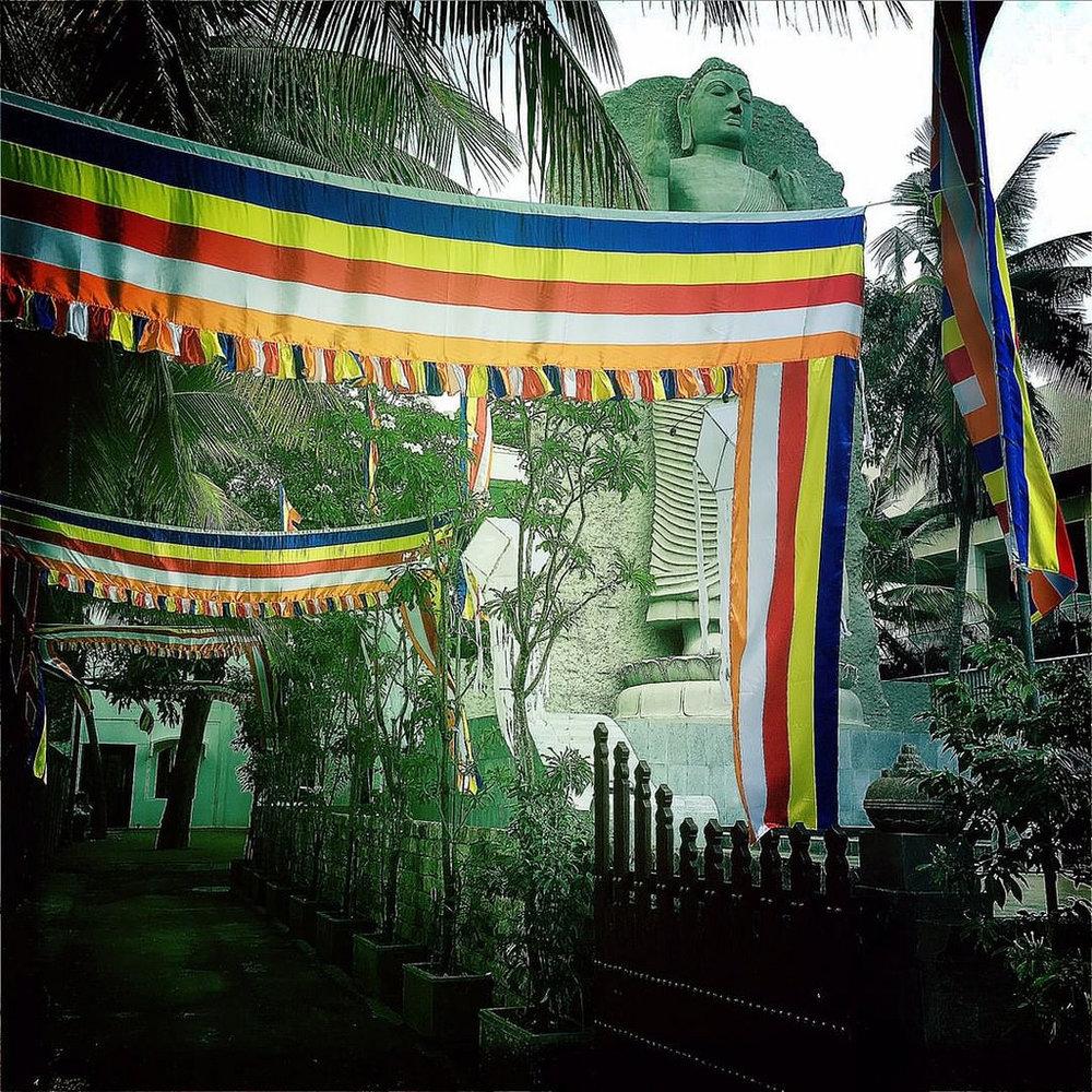 #Hipstamatic #JohnS #W40 #ceylon #colombo #buddhism #buddha #statue #srilanka #asia #alley #vesak