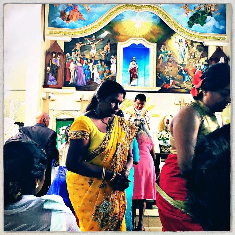 #Hipstamatic #Hornbecker #Robusta #church #catholics #srilanka #colombo #christians #mass #street_photography