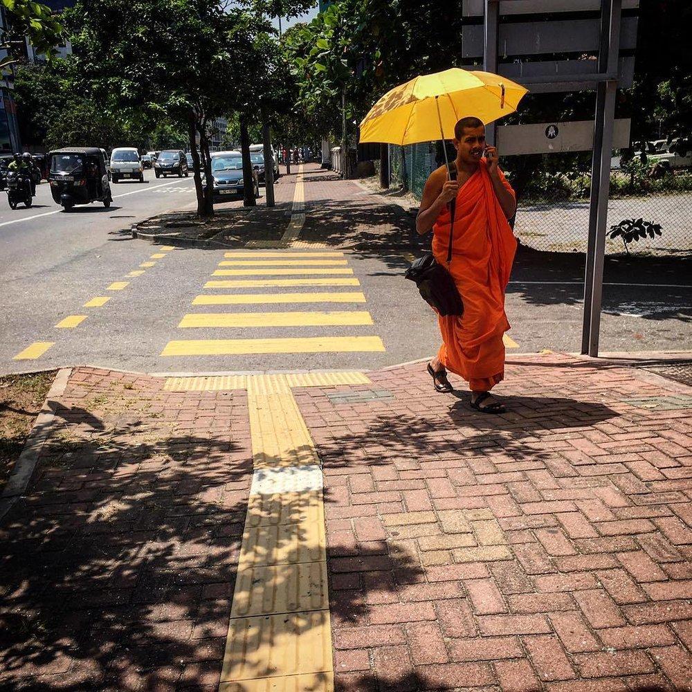 Monge #budhism #sri_lanka #ceylon #street_photography #umbrella #Colombo  (at Galle Road - Colombo 03)
