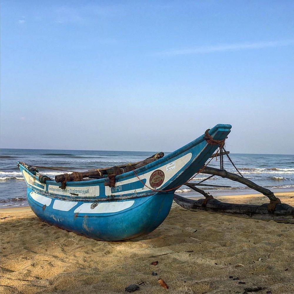 #Colombo #iphoneography #beach #sri_lanka #boat #fishing #morning  (at Villa Ocean View Wadduwa)