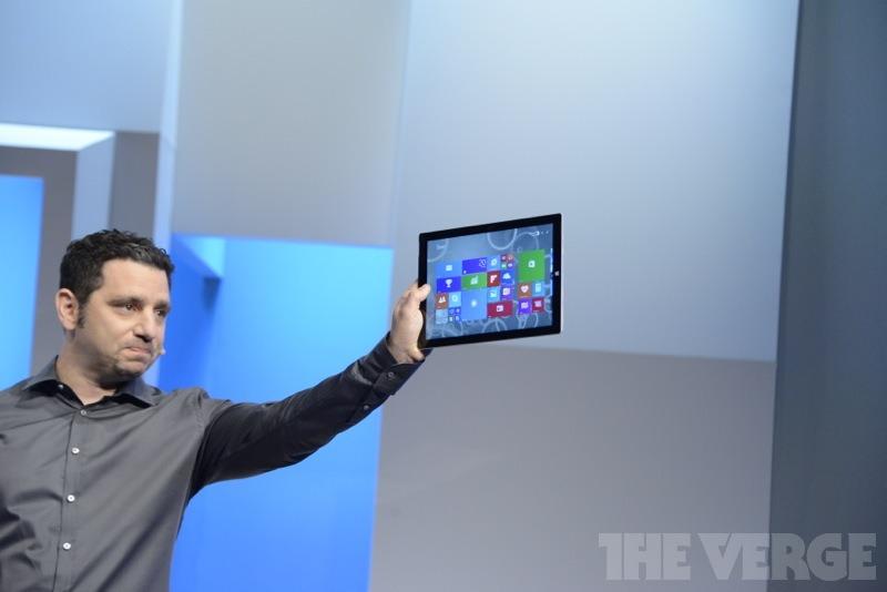 """thisistheverge :      Microsoft announces the Surface Pro 3      E a microsoft lança o melhor iPad já feito. Isso mesmo, trata-se apenas e simplesmente do melhor iPad já criado.   Não um Tablet, mas um iPad, só que com 12"""" e uma Stylus. Mesmos conceitos que levaram a Apple a criar o iPad estão no Surface Pro 3 e o apresentador, tenho certeza, foi envangelizado por Jobs, no doubts about that."""