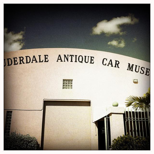Fort Lauderdale Antique Car Museum , a set on Flickr. Sempre gostei de carros antigos. Nada como descobrir um museu cheio de Packards.