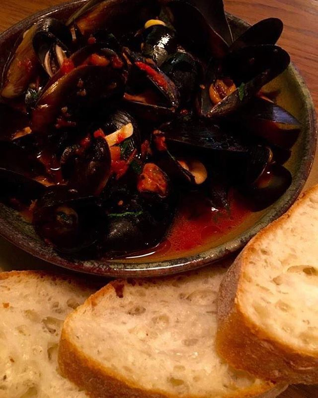 Ooooooft here it is!! Starting today and every Sunday from now on we've got a massive bowl of cozze con sugo di pomodoro for $25. #cozze #mussels #byosunday #bringabanger