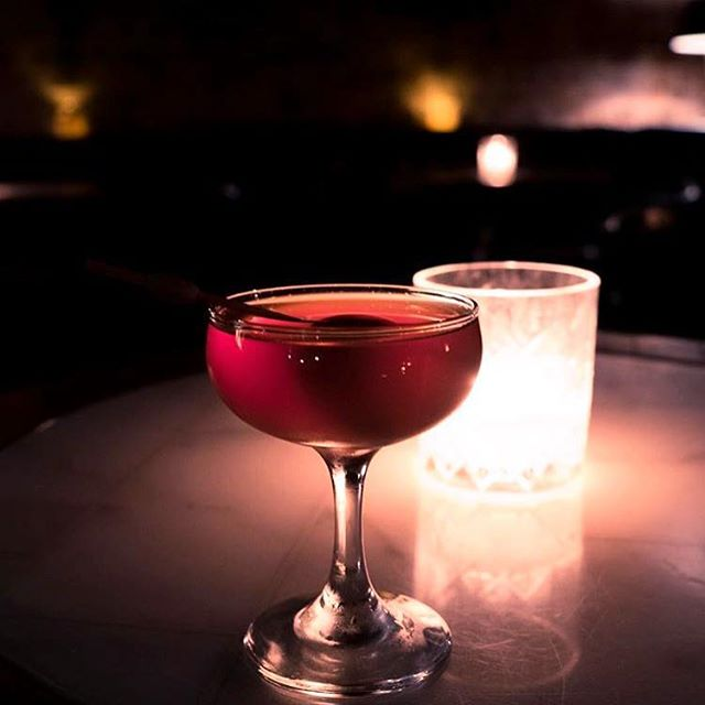 It's Friday! The perfect night to swing on downstairs and have our tenders make you a classic. You could fall in love all over again with your favourite drink, or ask away and discover something new!  #classicsarebest #fridaycocktails #bigpoppassyd