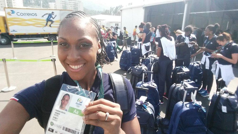 Le jour de notre arrivéau village où nous avons reçu notre accréditation! C'est LE document INDISPENSABLE pour circuler librement sur tous les sites olympiques.