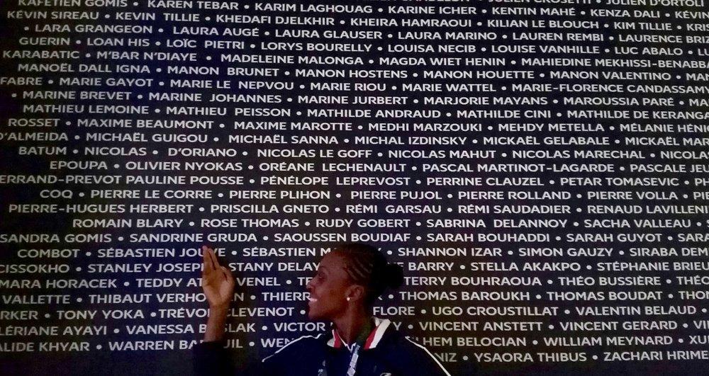 Au club France, il y avait une liste de tous les athlètes français présents aux jeux, j'ai trouvé ça super cool !!