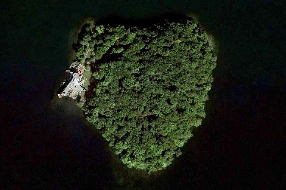 petra-angelina-jolie-island-condenasttraveller-27nov13-b_1440x960.jpg