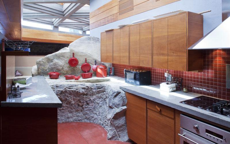 Petra_16_Kitchen_2-1-800x500.jpg