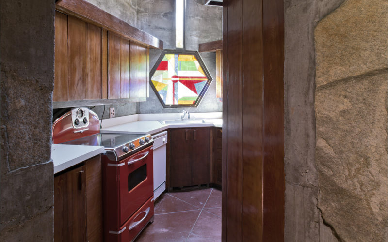 Petra_28_Guest_House_Kitchen-800x500.jpg