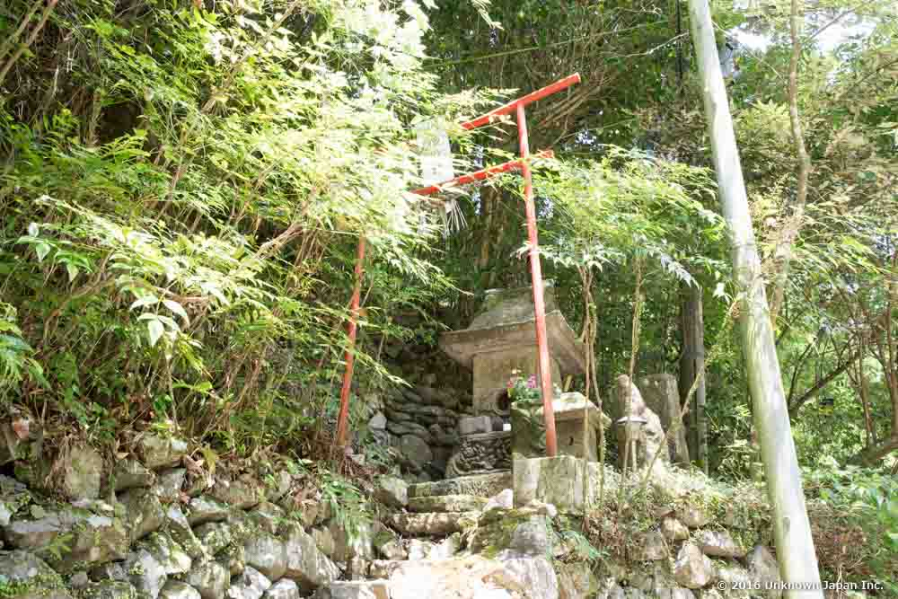 asahiya ryokan, shrine