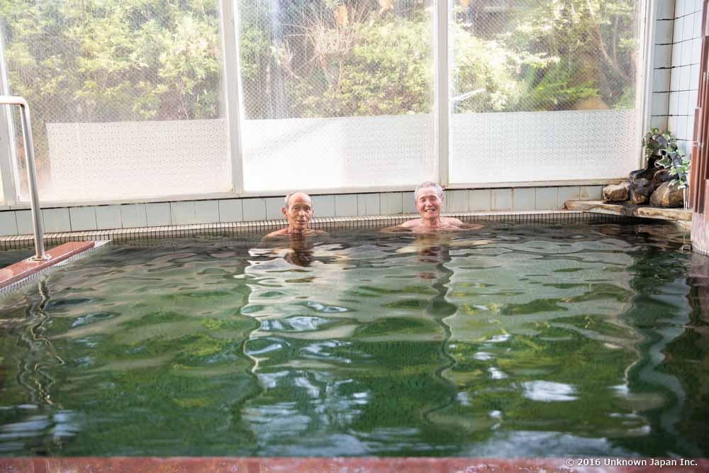 Shinyu Onsen Ryokan, bathers