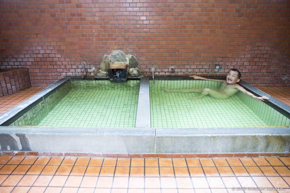 Momiji Onsen, bather