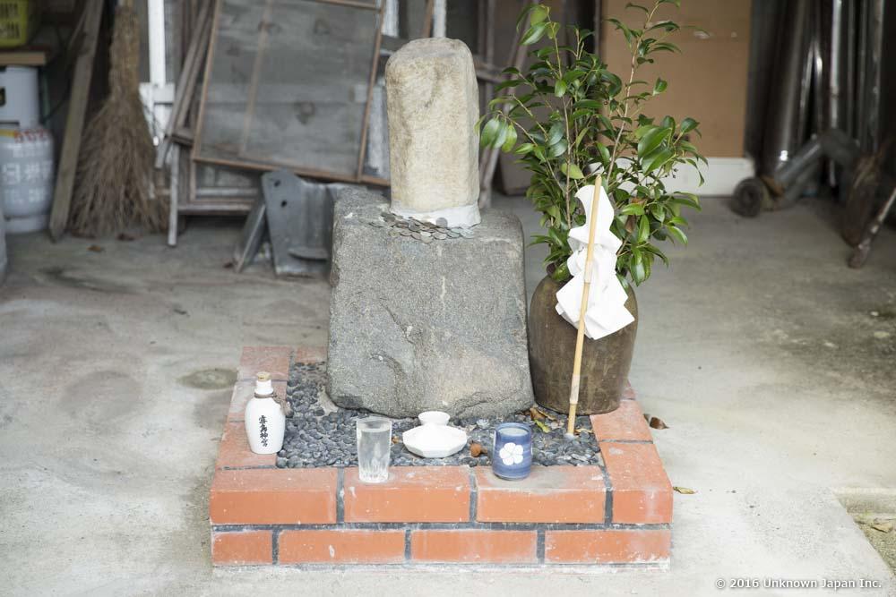 Nagamori Onsen, small shrine
