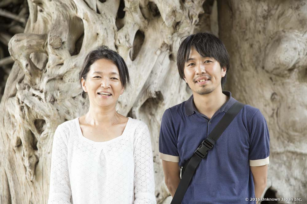 With the owner  Akemi Ajisaka , in front of the building