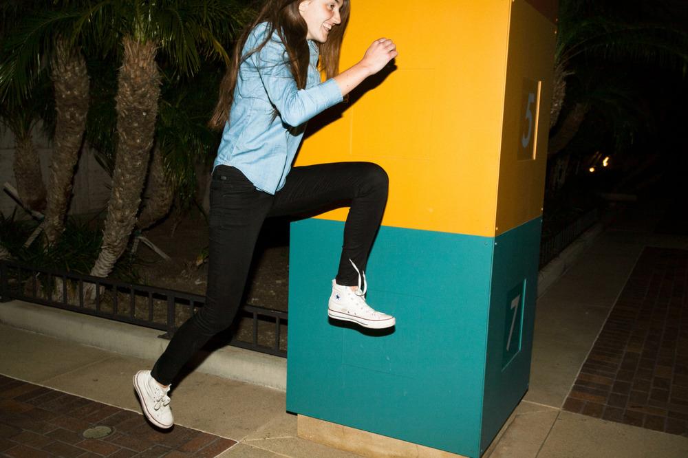 JUMP! Converse.