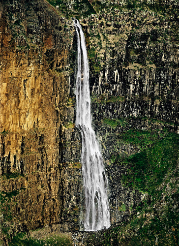 Gustavo Ten Hoever  La Catarata , 2006 c-print 30 x 23 in.