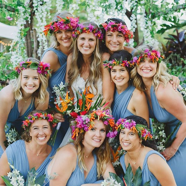 🌸Grateful 🌸 This industry of beauty is filled with so much love 🧡Thank you to all of my friends and family for supporting me, and thank you to all of my sweet, sweet clients for choosing me on your special day💕I am grateful for all of you for allowing me to do what I love most 💚 . . . #maui #mauiweddingstylist #thanksgiving #grateful #mauimakeupartist #mauihairstylist #hairinspo #makeupinspo #flowers #love #beauty #weddinginspo #bridalmakeup #bride #bridalhair #hawaii #mauibride #mauiwedding #boho #bridesmaids #engaged #holidays #updo #braids  #beachwaves #breerubinhair #weddingchicks #beyondtheponytail #lahaina