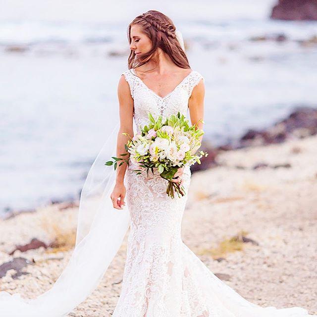 🍃M A U I  B R I D E S 🍃 . . . ✨Hair + MU @breerubinhair ✨Flowers @bellabloommaui ✨Coordination @mauisangels ✨Photo @loveandwater ✨Bride @blairhiller . . . #breerubinhair #maui #mauimakeupartist #mauihairstylist #mauibride #mauiwedding #beachwaves #makeupinspo #bride #bridetobe #engaged #lahaina #kapalua #hawaii #destinationwedding #weddinginspo #hairstyles #bridalhair #bridalmakeup #aloha  #love #beauty #boho #theknot #naturalmakeup #wedding #weddingwire #hawaii #braids #bridesmaids