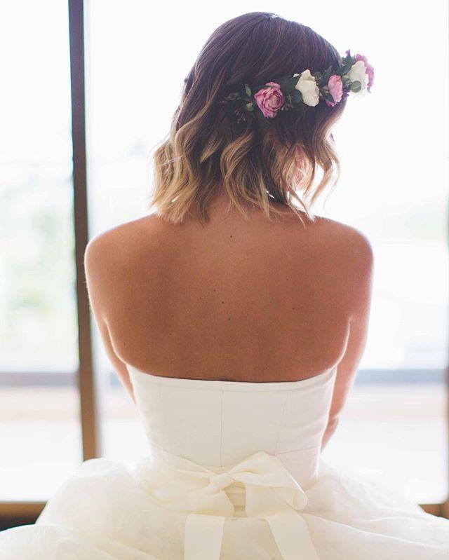 🌸Beach Waves & Boho Vibes🌸 . . . 📷 @mauimakaphotography 🕊 Styled by @breerubinhair using @biolage R.A.W. Frizz Control Styling Spray 🍃Venue @andazmaui . . . . #maui #breerubinhair #mauihairstylist #mauimakeupartist #mauibride #mauiwedding #boho #flowercrown #beachwaves #beauty #love #hawaii #destinationwedding #theknot #weddingwire #weddinghair #bridalhair #hairinspo #weddinginspo #bridesmaids #engaged #shesaidyes #bridalmakeup #bridal #hairstyles #tropical #hilife #lahaina #wailea #beyondtheponytail