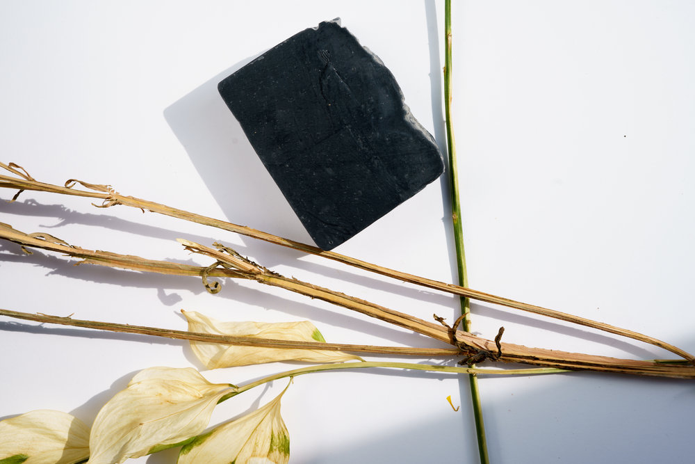 Loud BLCK (Black soap)is made with pure gogi berries tea tree oil, lemon, lime, charcoal and avocado oil. Shelf life: 12-14 months