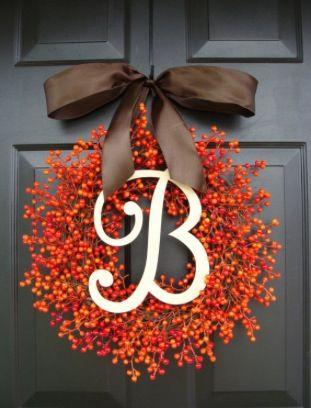 fc556dfd9bdf9527b0043a23fcaee384--monogram-wreath-diy-wreath.jpg