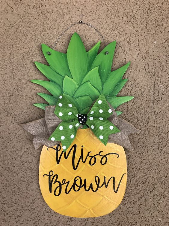 Wood Pineapple.jpg