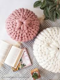 Chunky Knit Round Pillow — Mint Studio