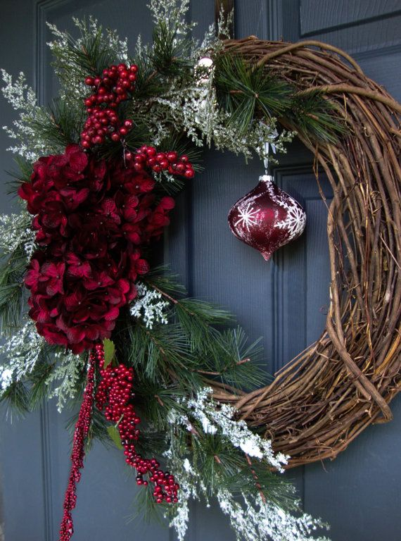 a46a6bfdc1912dd1e6ba9663f72016d0--winter-wreaths-holiday-wreaths.jpg